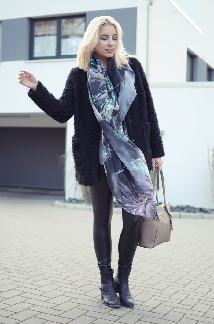 outfit-glasschuh-fraas-seidentuch-wolljacke-1