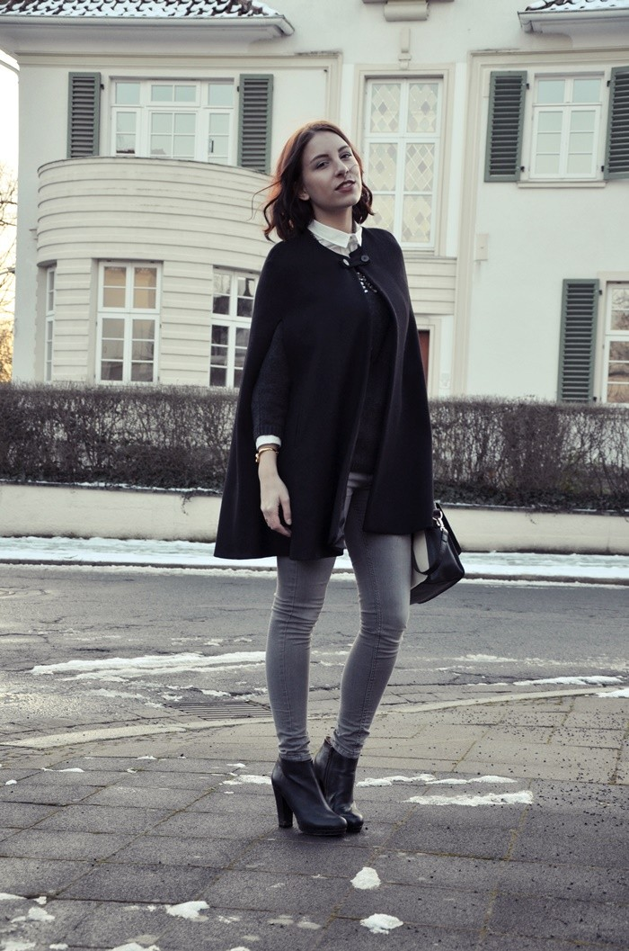 cape-outfit-look-blogger-glasschuh-3