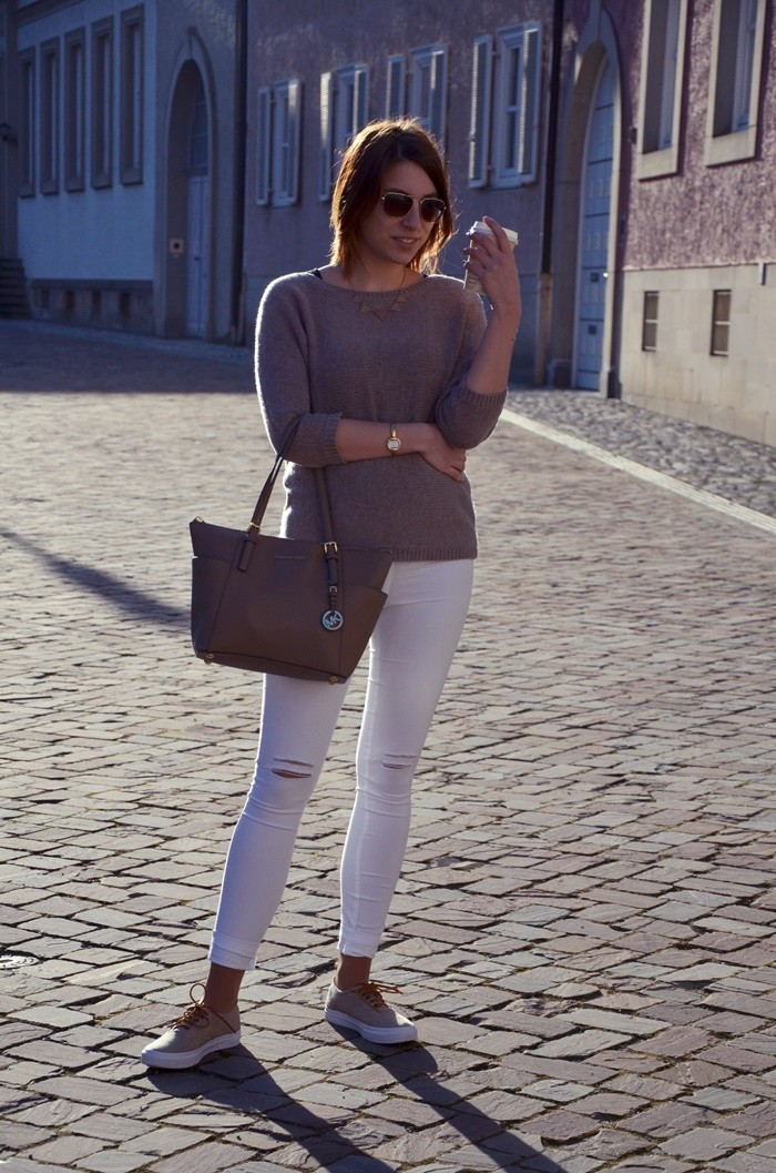 blog-outfit-beige-weiße-jeans-1