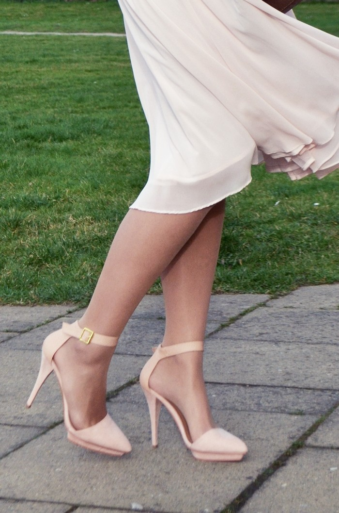 rosa-schuhe-rock-sommer-outfit