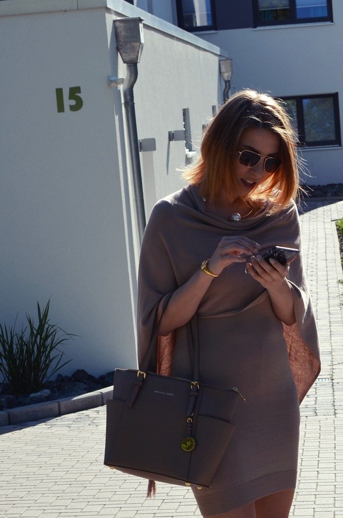 outfit-beige-cape-blogger-5