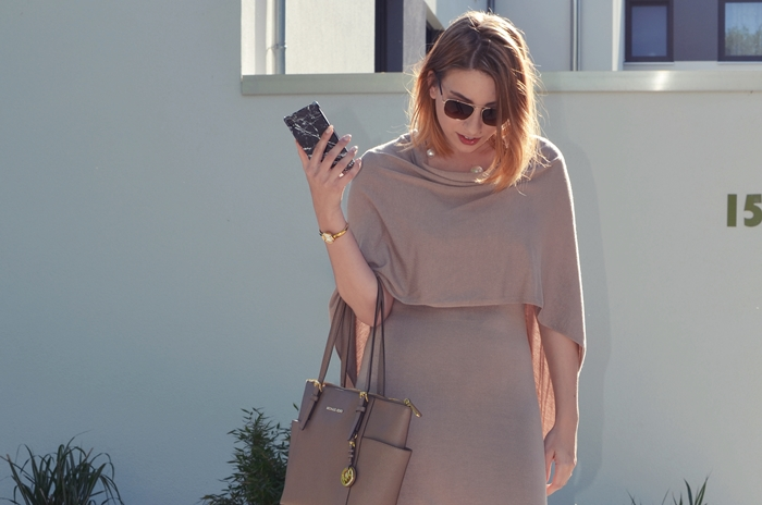 outfit-beige-cape-blogger-7
