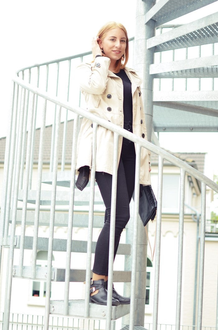 outfit-black-trenchcoat-boots-1