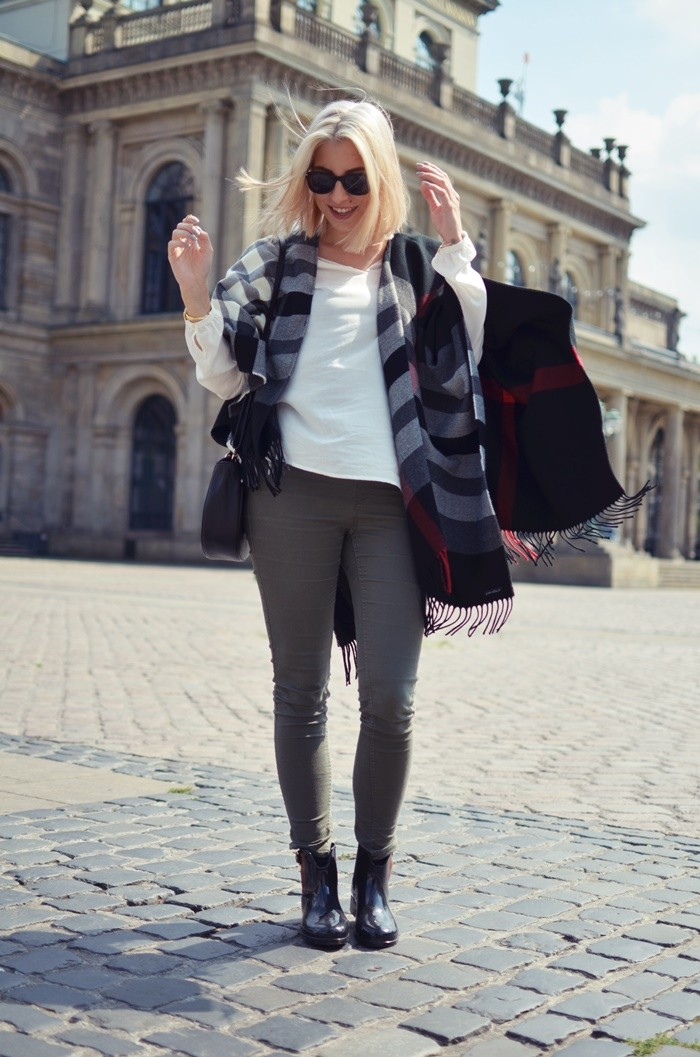 blog-outfit-cape-herbst-gummistiefel-3