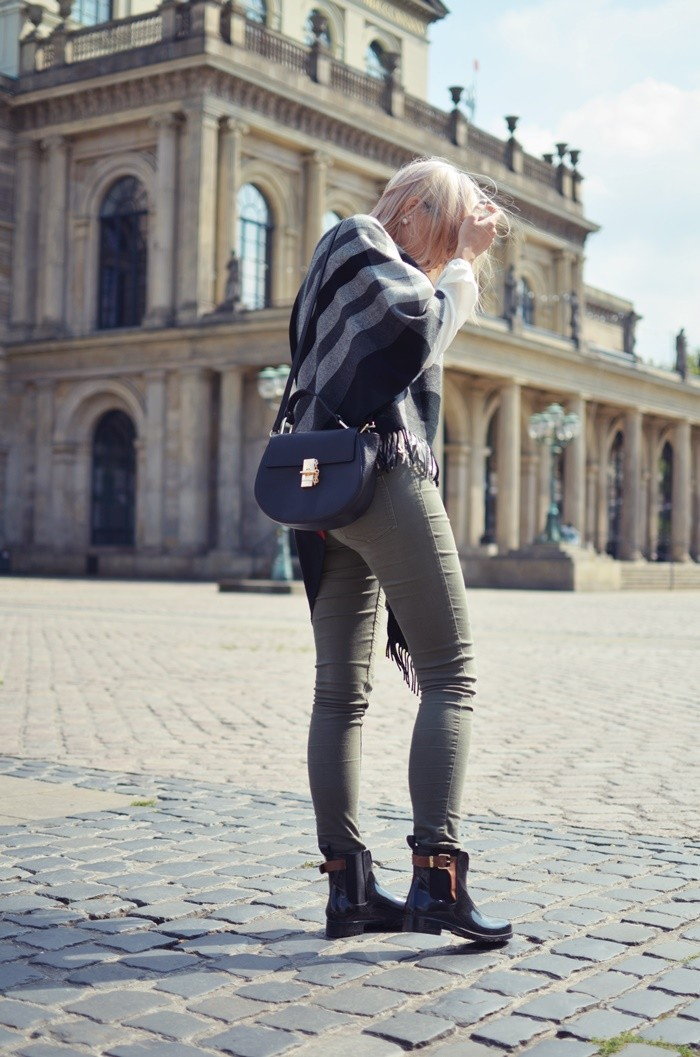 blog-outfit-cape-herbst-gummistiefel-4