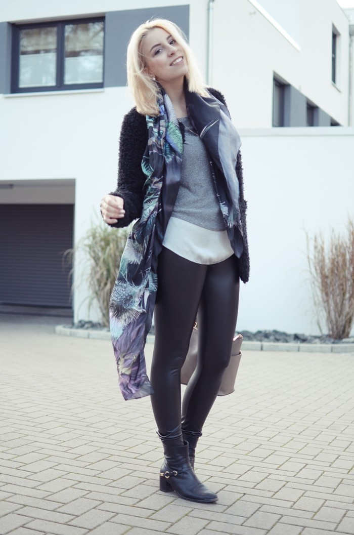 outfit-glasschuh-fraas-seidentuch-wolljacke-2