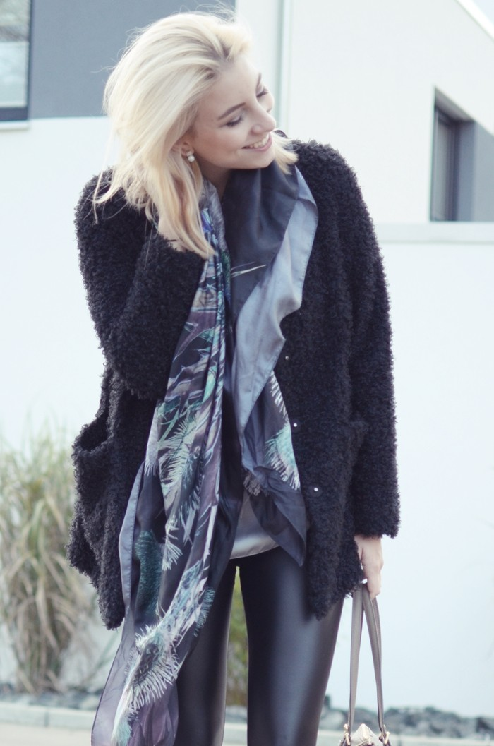 outfit-glasschuh-fraas-seidentuch-wolljacke-3