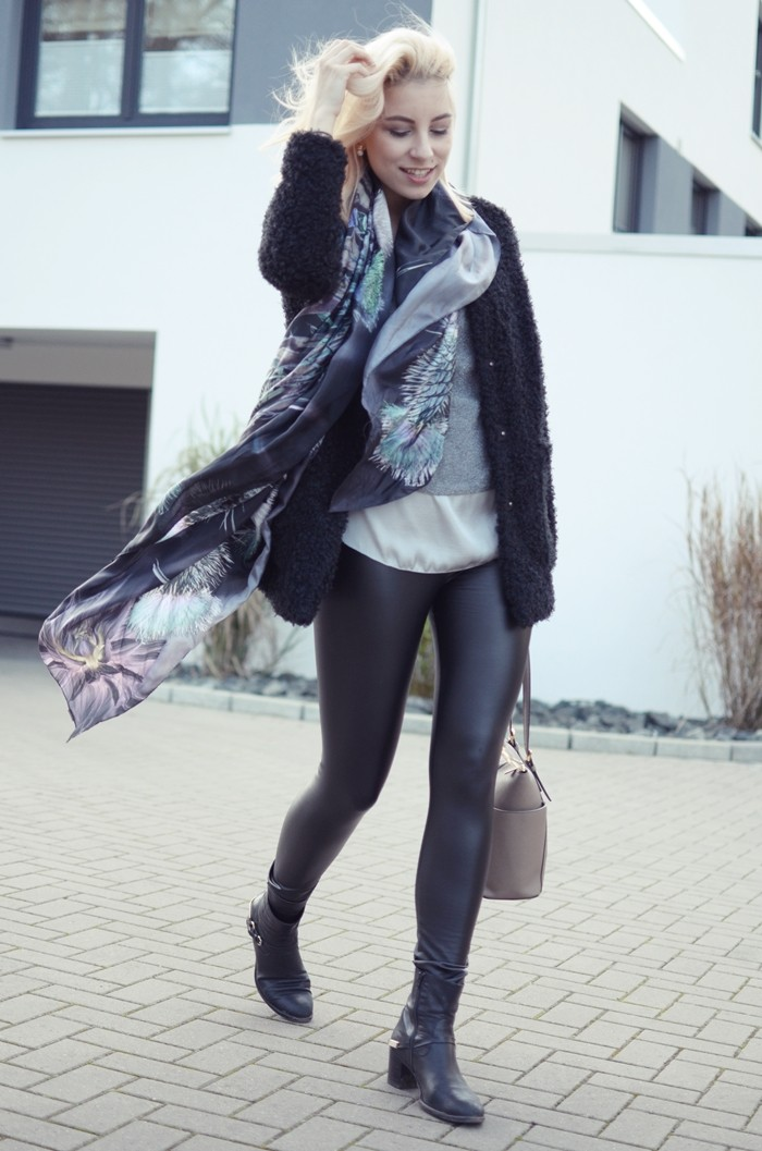 outfit-glasschuh-fraas-seidentuch-wolljacke-4