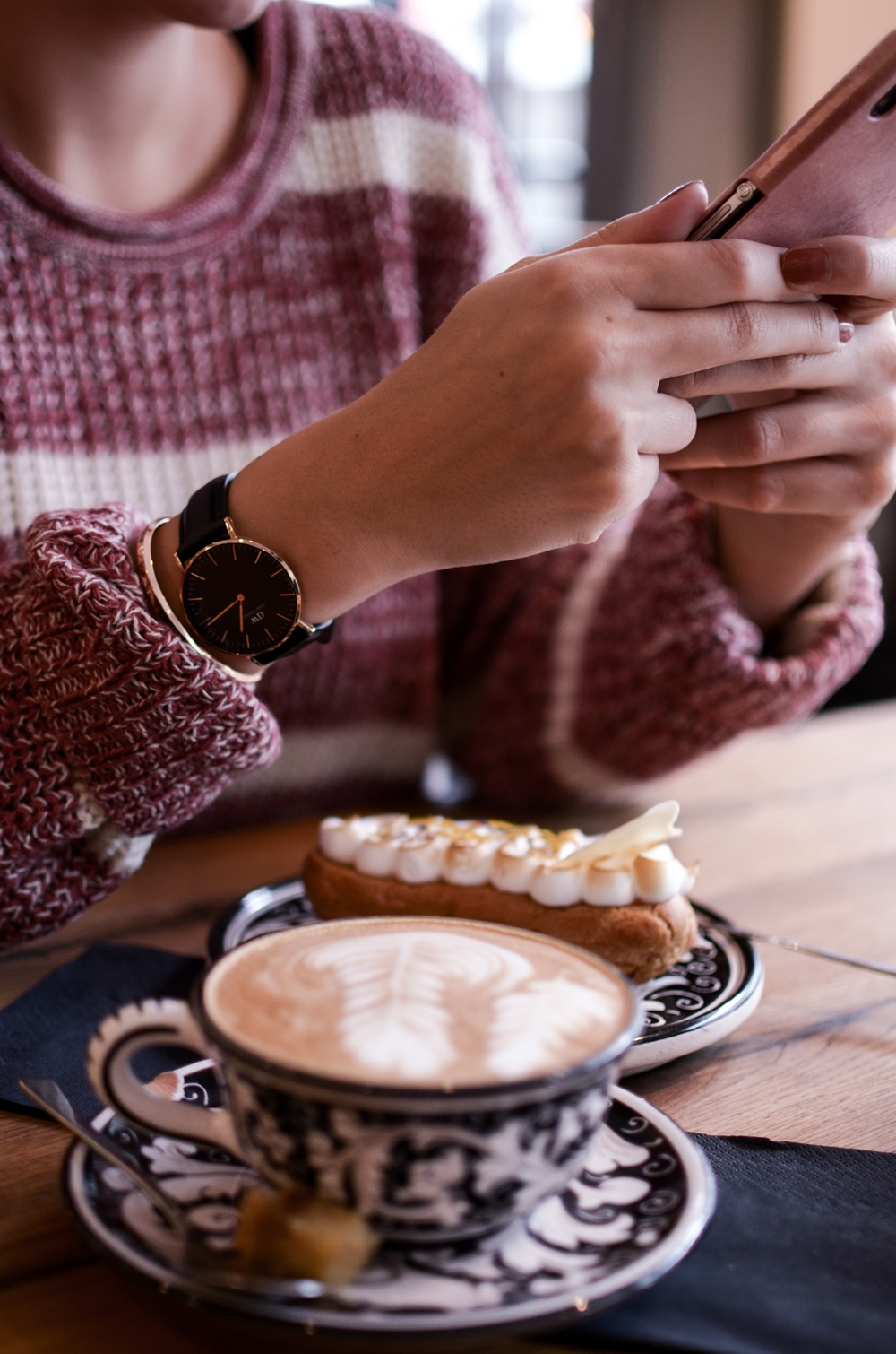 Accessoires im Winter: Daniel Wellington Uhr, MAC Liptensity Dionysus & Sweet Almond | Glasschuh.com Blog by Lea Christin